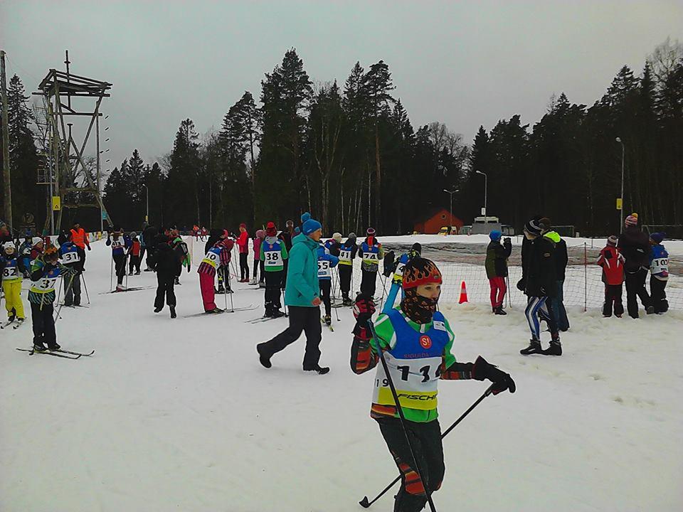 """Vairāki jauni uzvarētāji 2.posmā """"S!-Fischer"""" skolēnu čempionātā slēpošanā"""
