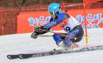 Daži līderi jauniešu grupās reabilitējas milzu slalomā