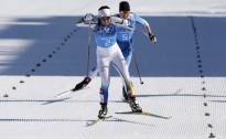 Aizraujošā finišā uzvaru slēpošanas stafetē izcīna Zviedrija
