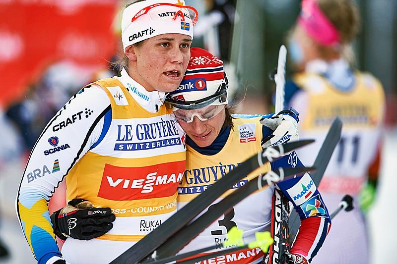 Ingemarsdotera pēc finiša mierina Vengu. Foto: Felgenhauer/NordicFocus