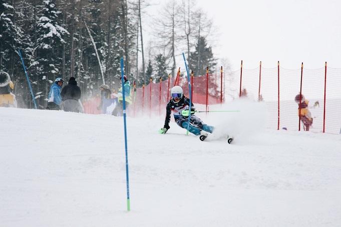 Dženifera Ģērmane dominējoši uzvar neoficiālajā jauniešu PČ kalnu slēpošanā