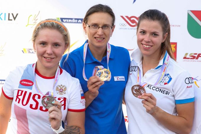 Podium-senior-ladies.jpg
