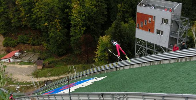 Šarlotei Šķēlei jauns Latvijas rekords tramplīnlēkšanā